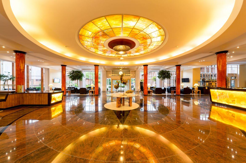 Parkhotel Herrenkrug Eingangshalle